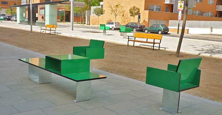 nuevo mobiliario urbano en zaragoza junto al tranv a